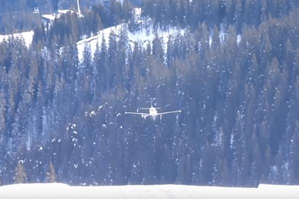 Βίντεο σοκ: Αεροσκάφος γλιστρά στον διάδρομο προσγείωσης και πέφτει σε «τείχος» χιονιού!