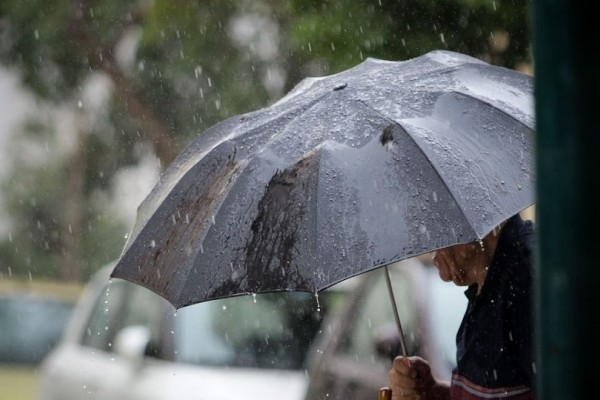 Τσικνοπέμπτη με βροχές και κρύο προβλέπεται σήμερα! - Έως 8 μποφόρ οι άνεμοι!