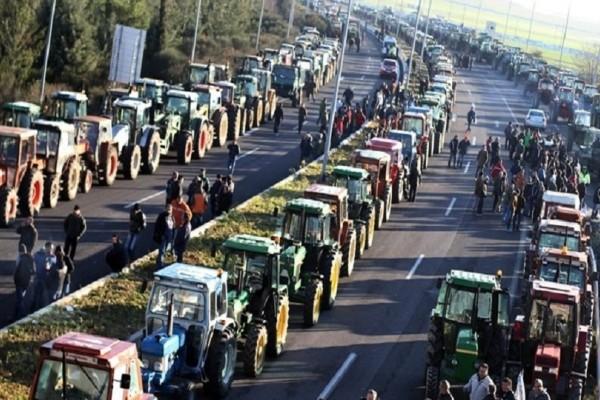 Σέρρες: Αγρότες προσπάθησαν να σπάσουν το μπλόκο της αστυνομίας!