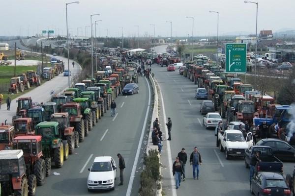 Συνεχίζονται οι αγροτικές κινητοποιήσεις! - «Κόβουν» στα δύο την χώρα το απόγευμα!