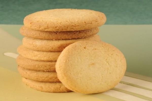 Εύκολη συνταγή για νόστιμα μπισκότα με 3 υλικά