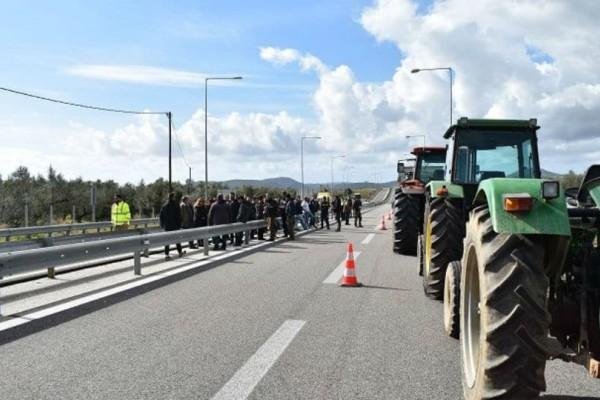 Αγρότες έκλεισαν την Ιονία Οδό!