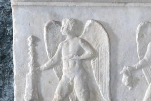 Αναθήματα σε… post-it στο Ιερό του Έρωτα και της Αφροδίτης στην Ακρόπολη!