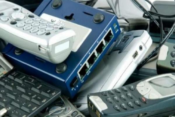 Κάθε χρόνο πετάμε στα σκουπίδια ηλεκτρονικές συσκευές αξίας 62,5 δισ. δολαρίων!