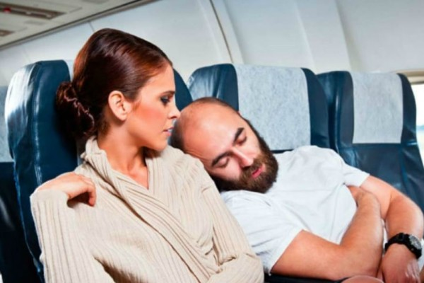 Expedia: Τι ενοχλεί περισσότερο τους ταξιδιώτες σε πτήσεις και ξενοδοχεία