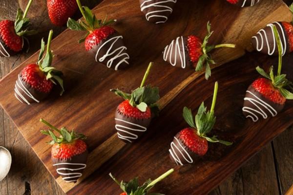 Φράουλες και Σοκολάτα για την ημέρα του Αγίου Βαλεντίνου!!!