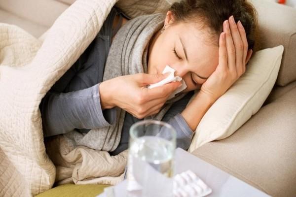 Καμπανάκι από το ΚΕΕΛΠΝΟ: Τι πρέπει να προσέξετε και πώς θα αντιμετωπίσετε την γρίπη!