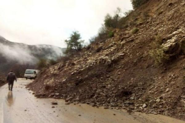 Στο έλεος της κακοκαιρίας η Πελοπόννησος! - Τα ακραία καιρικά φαινόμενα έχουν προκαλέσει σοβαρά προβλήματα στο οδικό δίκτυο!
