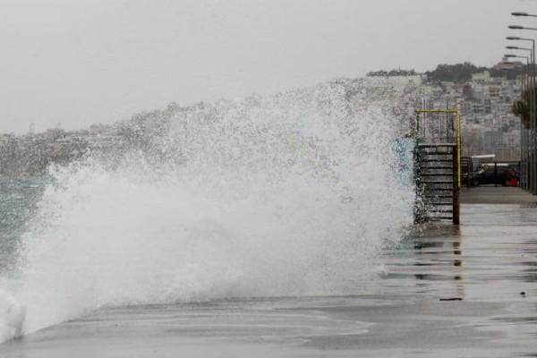 Έως 10 μποφόρ οι άνεμοι στο Αιγαίο! Που παραμένουν δεμένα τα πλοία;