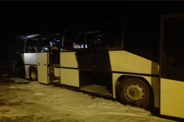 Κοζάνη: Λεωφορείο πήρε φωτιά στη μέση του δρόμου! (video)
