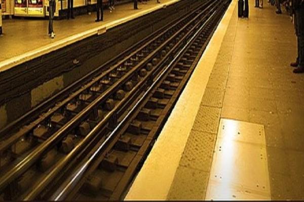 Συναγερμός στο Παρίσι: Επίθεση με οξύ στο Μετρό!