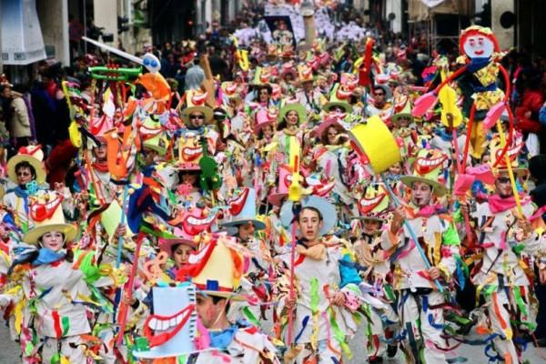 Σε ρυθμούς... ρέγκε η τελετή λήξης του Πατρινού καρναβαλιού!
