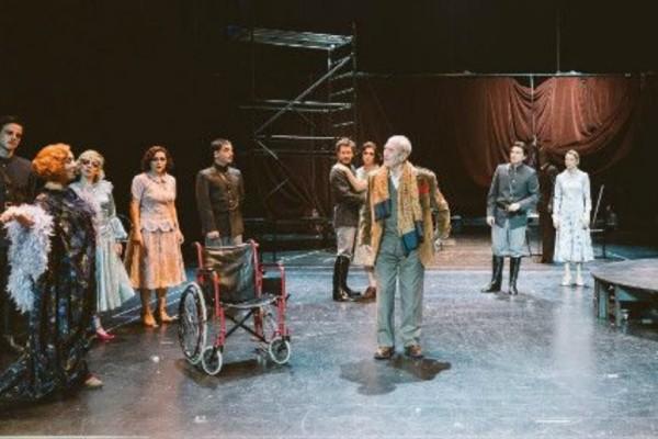 Ακυρώνονται τρεις παραστάσεις του Εθνικού λόγω ατυχήματος ηθοποιού