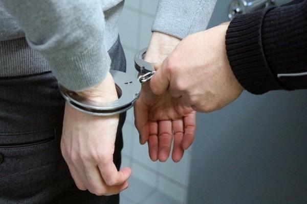 Απατεώνας παρίστανε τον  αστυνομικό στα Ιωάννινα