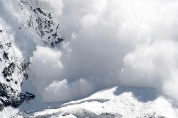 Συναγερμός στην Ελβετία: Χιονοστιβάδα