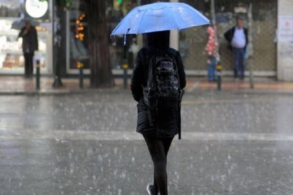 Απότομη αλλαγή του καιρού σήμερα, Τρίτη με βροχές και πτώση της θερμοκρασίας!