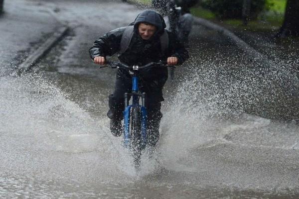Κατακόρυφη πτώση της θερμοκρασίας σήμερα! - Πού θα σημειωθούν βροχές και καταιγίδες!