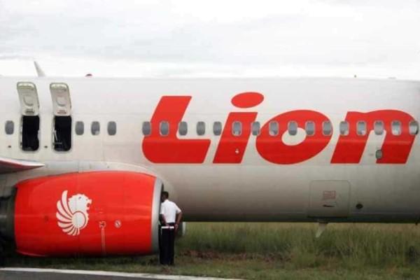 Aπίστευτο: Αεροσκάφος της Lion Air έπεφτε και οι πιλότοι έψαχναν απαντήσεις στο βιβλίο με τις οδηγίες!