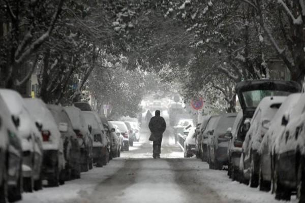 Ραγδαία επιδείνωση του καιρού: Χιόνια και στην Αττική!