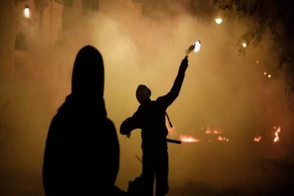 Εξάρχεια: Eπεισόδια με μολότοφ για δεύτερη νύχτα!