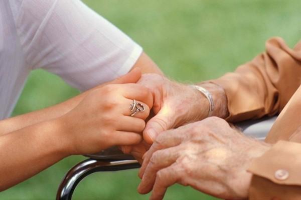 Αλτσχάιμερ: Τα συμπτώματα που πρέπει να γνωρίζετε - 10 μύθοι για την νόσο που τελικά δεν ισχύουν!