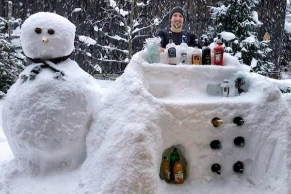 Όταν η φαντασία οργιάζει – Ένα μπαρ φτιαγμένο από χιόνι!