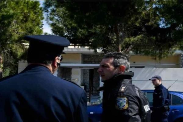 Έγκλημα στο Ελληνικό: Άγνωστοι μπήκαν στο σπίτι του 87 χρονου!