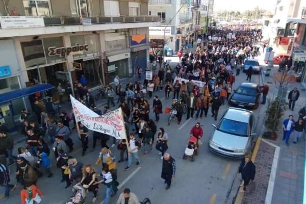 Βόλος: 5.000 πολίτες σε πορεία κατά την κάυση των σκουπιδιών!