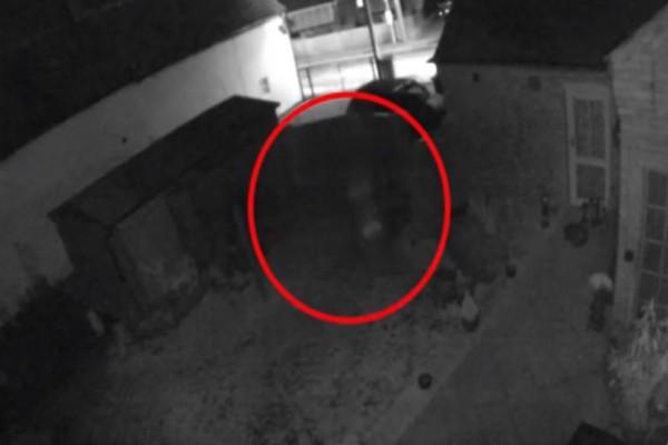 Βίντεο σοκ: Κάμερα καταγράφει φάντασμα μικρού παιδιού!
