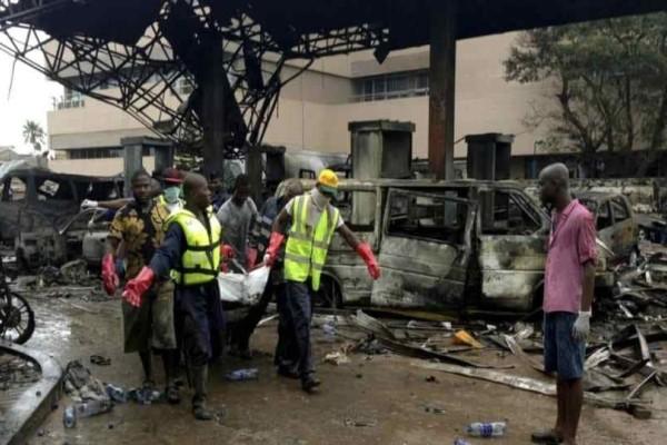 Τραγωδία στη Γκάνα: Σύγκρουση λεωφορείων- Πάνω απο 60 οι νεκροί!