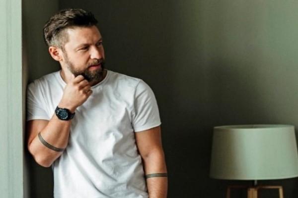 Γιάννης Βαρδής: Ο τραγουδιστής αποκάλυψε το όνομα που θα δώσει στο δεύτερο παιδί του!