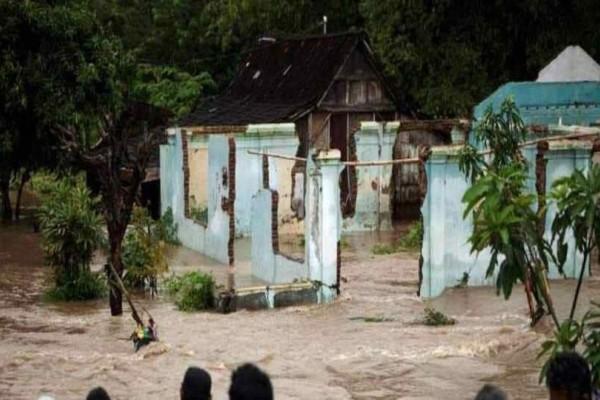 Τραγωδία στην Ινδονησία: Τουλάχιστον 42 νεκροί από πλημμύρες!