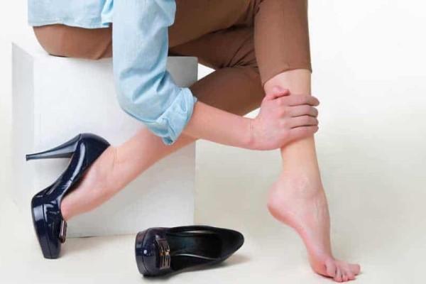 Κιρσοί: Συμπτώματα, συμβουλές, κίνδυνοι, χειρουργείο, θεραπεία (Εικόνες)
