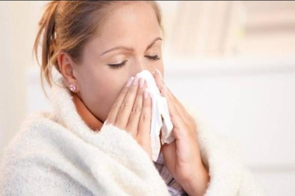 Κρυώσατε; 6 τρόποι για να καταλάβετε αν είναι κρύωμα ή αλλεργία!