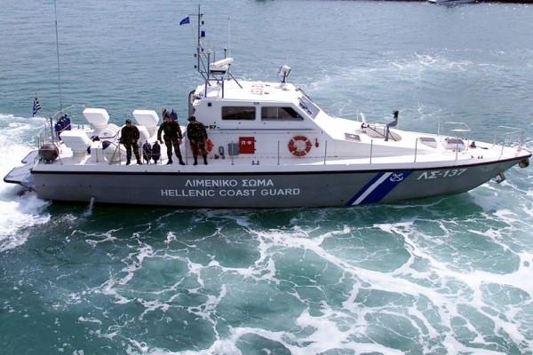 Θρίλερ στην Χαλκίδα για τη διάσωση άνδρα που βρέθηκε στη θάλασσα!