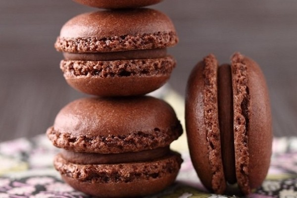 Tα πιο εύκολα και νόστιμα σοκολατένια μακαρόν!