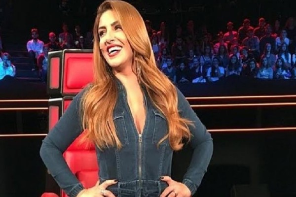 Έλενα Παπαρίζου: Η τέλεια δίαιτα της τραγουδίστριας που την βοήθησε να μπει ξανά στο νούμερο 27!