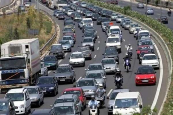Μποτιλιάρισμα στην άνοδο της Αθηνών – Λαμίας λόγω τροχαίου!
