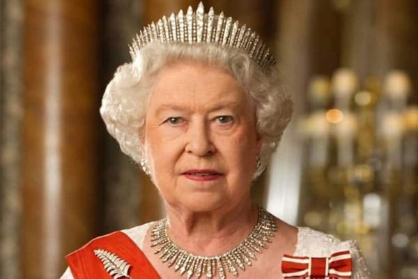 Το μυστικό της Βασίλισσας: Τι καταναλώνει κάθε μέρα η Ελισάβετ;