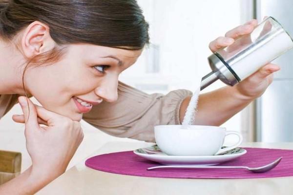 Νιώθετε εθισμένοι στην ζάχαρη και θέλετε απεγνωσμένα γλυκό; - Τι συμβαίνει;