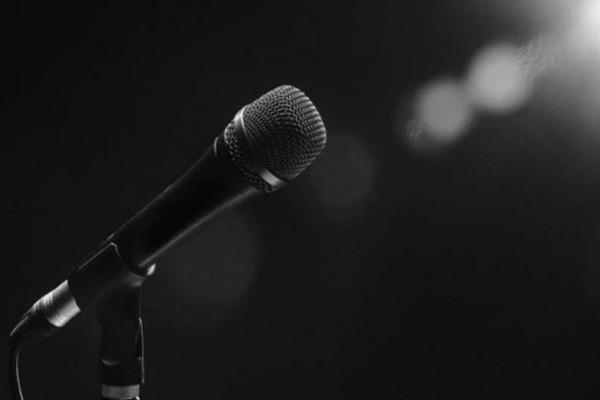 Σε ιδιωτική κλινική πασίγνωστη Ελληνίδα τραγουδίστρια: Δίνει μάχη με την νευρική ανορεξία!
