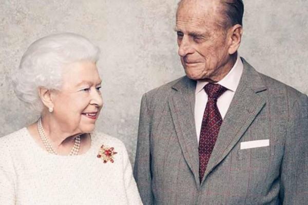 Άτακτος ο πρίγκιπας Φίλιππος: Εντοπίστηκε να κάνει...