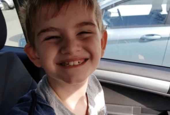 Απίστευτο περιστατικό: Μαθήτης  έπρεπε να φοράει γιλέκο γιατί έχει αυτισμό!