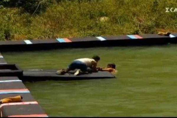 Survivor Ελλάδα Τουρκία: Απίστευτος ο τραυματισμός του Ατακάν! (Video)