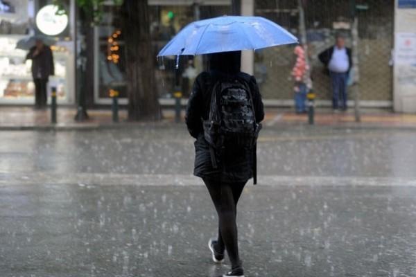 Η κακοκαιρία έχει σαρώσει όλη την χώρα! - Ποιες περιοχές πλήττονται με βροχές και καταιγίδες;