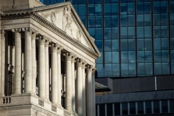 Λονδίνο: Aποκλεισμός της τράπεζας της Αγγλίας λόγω ύποπτων πακέτων!