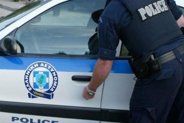 Εξάρχεια: Χτύπησαν άντρα επειδή φορούσε μπλούζα για τη Μακεδονία!