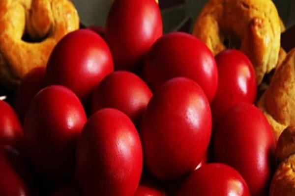 10+1 εύκολα tips για υπέροχα βαμμένα κατακόκκινα αυγά!