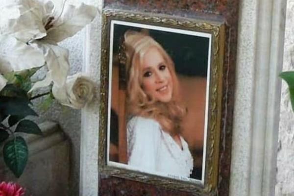 Προσοχή: Οι απαγορευμένες φωτογραφίες της νεκρής Αλίκης Βουγιουκλάκη!