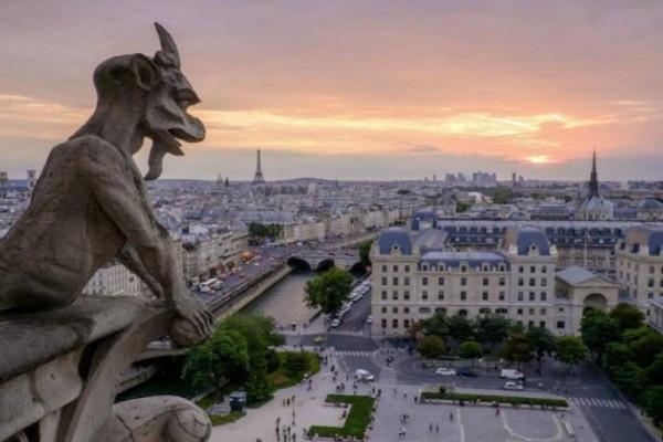 Αλλαγές στις ξεναγήσεις στο Παρίσι μετά την... καταστροφή!
